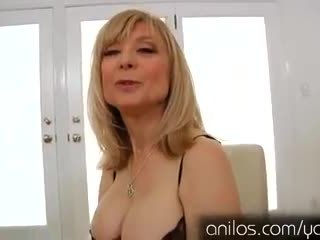 Nadržený zralý babičky nina hartley masturbating