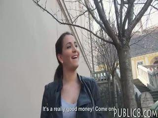 Brunete eurobabe picked augšup un slammed uz exchange par sīknauda