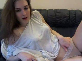 Find6.xyz babe koketochka555 flashing boobs on live webcam