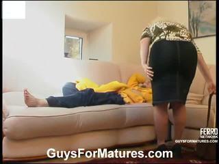Rosemary et mike coquin mature vidéo