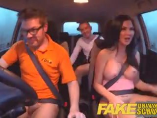 Fake driving skola eksāmens failure ends uz trijatā double creampie