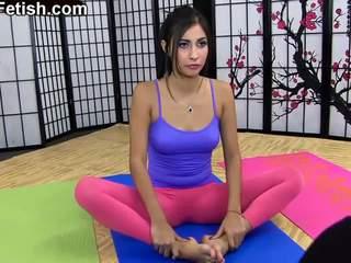 Die yoga meister - namaste 2