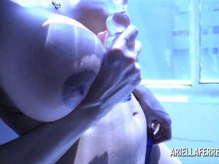 厚, 大胸部, 性玩具