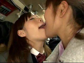 Shocked японки ученичка gets прецака на а packed влак