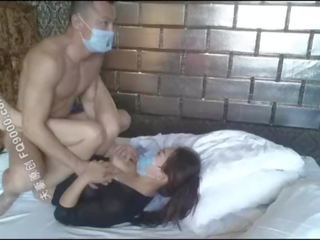 Lepo kitajka punca wearing maska da jebemti, lepo telo čeprav