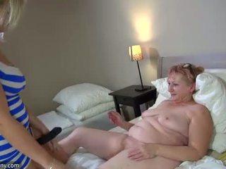 Oldnanny kuuma step-mom lesbo naida kanssa strapon