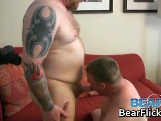 Gay bears drilling gros cul hardcore