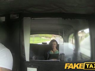Fake taxi prague beauty squirting 上 凸轮
