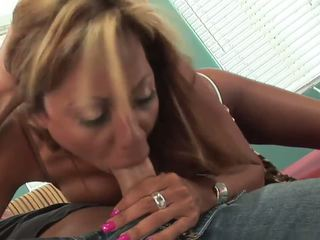 Long Legs Mature MILF with Big Tits Fucks Great: HD Porn d5