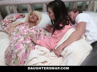 Daughterswap - swapped e fodido durante sleepover