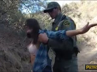 Mexican Babe Gives Head And Slammed By Border Patrol Man