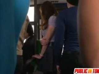 Nana kunishi е doggy pumped в на автобус