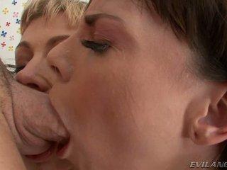 Adrianna nicole dana dearmond loves untuk memberikan blowjobs