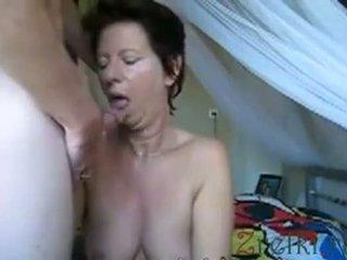 Facefuck 成熟 妈妈 妻子