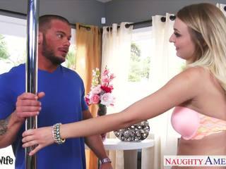 Vollbusig ehefrau natalia starr gets rosa büchse gefickt