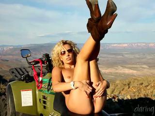 Kiara diane goes في ال mountain و masturbates في لها 4x4