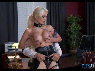 Collared blondinka sikiş toy at work, mugt hd porno ec