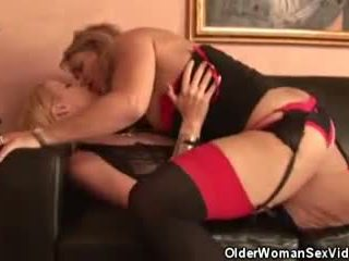 striptease pinaka-, real lesbians, puno matures online