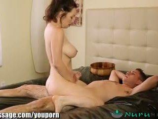 Nurumassage puma mama vitrega gets sons pula