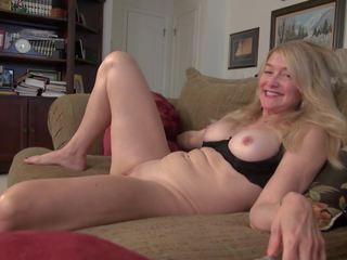 Old but Hot Mature Housewife and Mother, Porn 0d