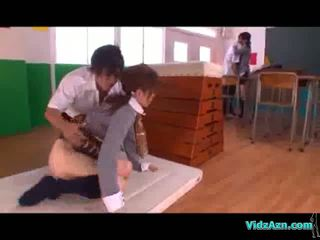 Murid wedok licked and fingered other prawan ngisep jago in the kelas