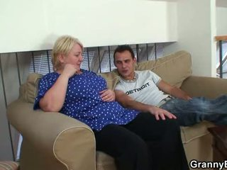 60 years ישן סבתא sucks ו - rides