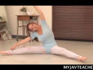 Superb asiatique ballerine décision son students en chaleur à école