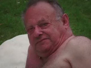 Adolescente señora masturbates mientras follando viejo infiel guy takes disparo de corrida vídeo