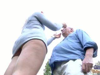 66 pensioner old butler puts his kontol in his young sugih asu lady