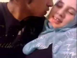 아마추어 dubai 뿔의 hijab 소녀 엿 에 홈 - desiscandal.xyz