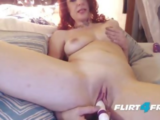 Sexy milf craves squirting