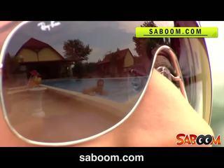 Roxy taggart gets pakliuvom apie the poolside į saboom