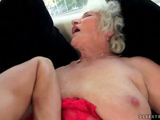 Tuhma povekas mummo enjoys kuuma seksi