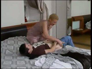 Ρωσικό αγόρι γαμώ του μητέρα που θα ήθελα να γαμήσω μαμά
