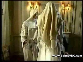 Nuns 他妈的 同 priest 和 拳交