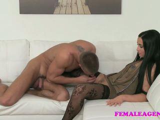 xhamster enculeuse de lesbienne