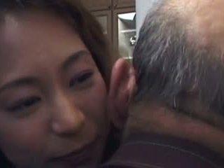Daughter-in-law ist fick von nicht sie father- und nicht seine sohn