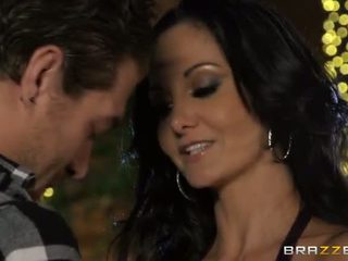 Xander corvus fixes pools के लिए एक living और ava addams