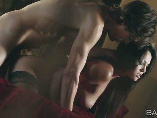 Glamour pornstar Adrianna Luna slammed