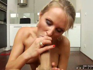 Seksuālā kuce laura kristāls sucks o.