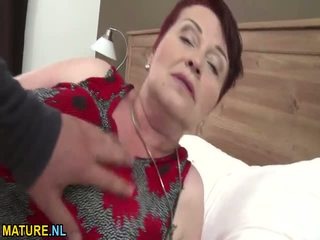 Enorme titted pelosa nonnina gets banged difficile