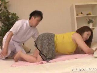 שמנמן אסייתי babe's גדול פטמות natsuko kayama