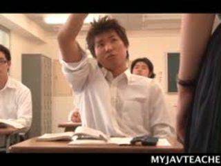Superb ázijské balerína výroba ju students nadržané na školské
