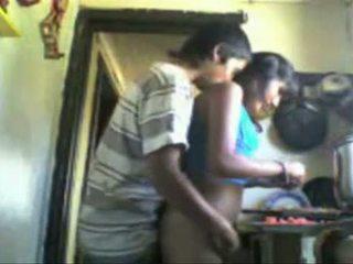 Indijke studens backdoor seks v the kuhinja