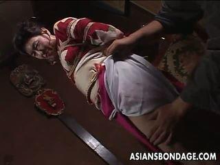 Азіатська зріла хвойда has a rope session для терпіти