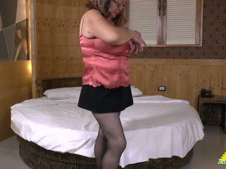 Latinchili Latina Mature Solo Masturbating: Free HD Porn 10