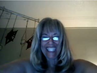 MILF Plays with Showerhead While Standing: Free Porn 3b