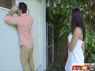 Peeping tom ends ขึ้น ร่วมเพศ เธอ นมโต gf และ เธอ แม่เลี้ยง