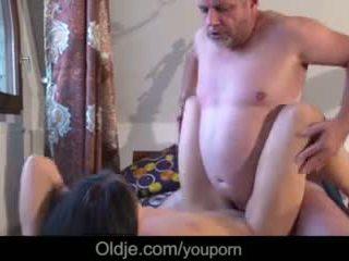 Vecchio affari uomo scopata suo troppo arrapato caldi giovane fidanzata