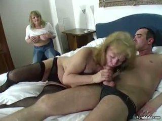 Bertuah guy fucks two menakjubkan nenek
